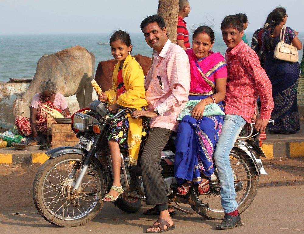 Family in India - forget trust, now it's about the money        Photo: Pixabay