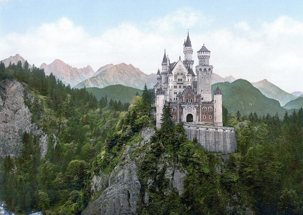 Schloss Neuschwanstein, built by King Ludwig II           Photo: Wikimedia