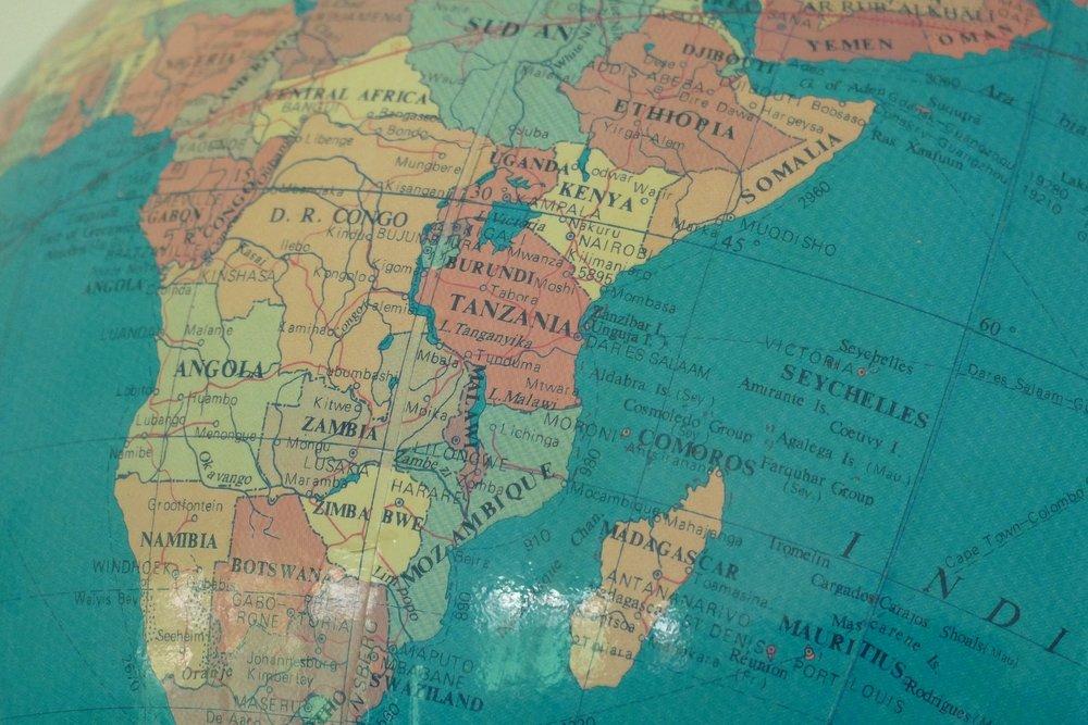 globe-2637126_1920.jpg