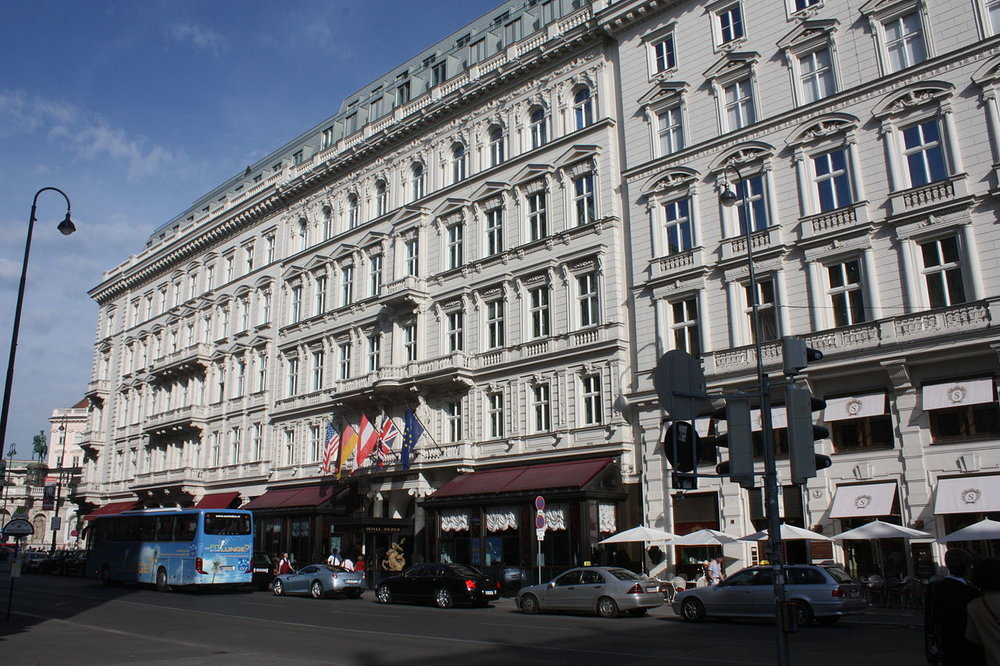 The current family owners have been linked to the hotel since 1934       Photo: WikiMedia