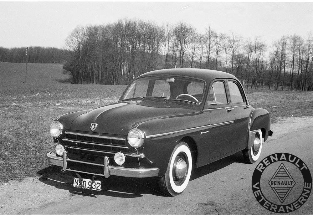 Her en af de tidlige Renault Frégate med prøveplader fra den lokale Renault-forhandler Fyns Autoimport.