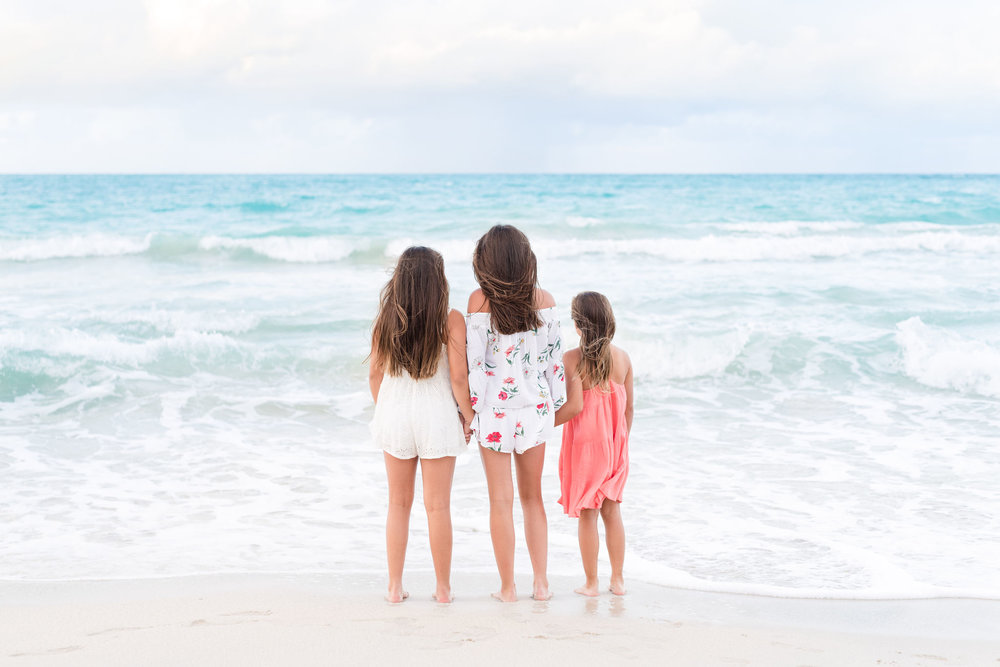 Oahu Family Photographers | Little Girls on Beach