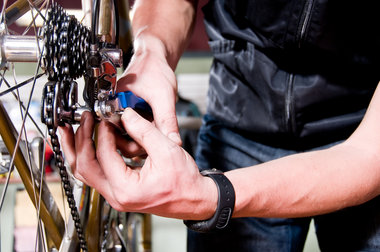 Basic Bike Maintenance Course - This course is perfect for people who would like to keep their bike well maintained and do some simple repairs. It covers:– Ergonomics (setting up your bike to fit you)– Bike Repair Tools and Lubricants (what you need to keep your bike in top condition)– Brake adjustments ­– Removing wheels and fixing punctures– Braking and using gears–Chain Cleaning and lubricatingPRICE: $60 -  LIMIT 4 persons per class Ideal for ages 16 and up; exceptions may be made for youths 12-16 accompanied by a parent or guardian.