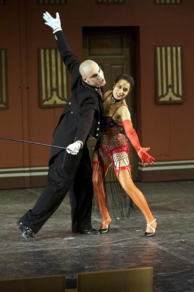 Cabare dancing4.jpg