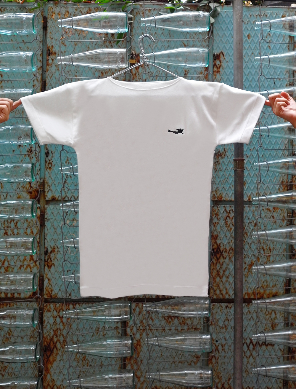 Sirene-Magazine-T-Shirt-Man-01.jpg