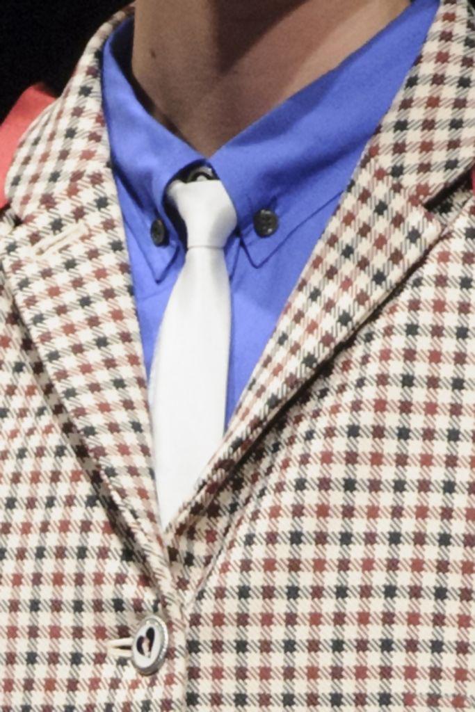 corbata blanca.jpg