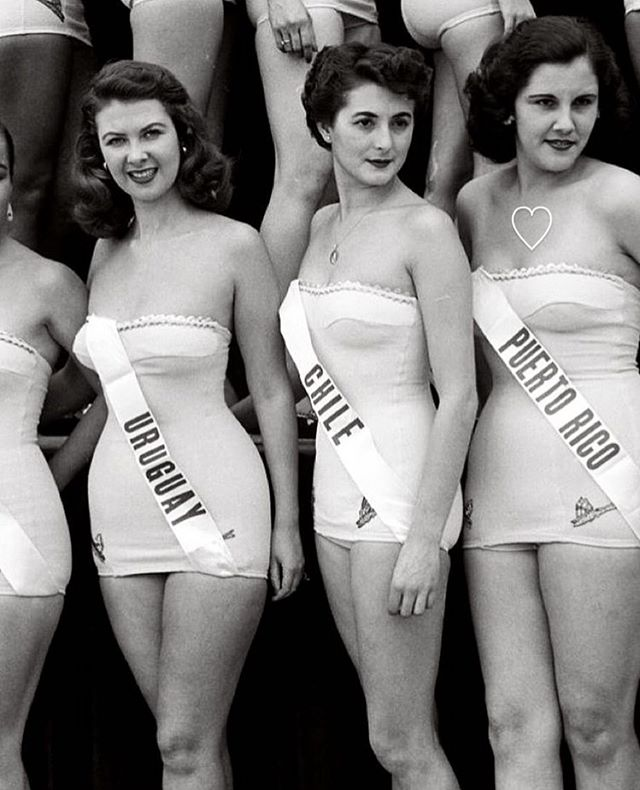 Miss universe pageant, 1952. /////////////////////////////////////////////// #uruguay #missuniverse #life #lifemagazine #pageant #vintage #chile #puertorico #beauty #nofilter #nophotoshop #belleza #naturalbeauty #pageantqueen