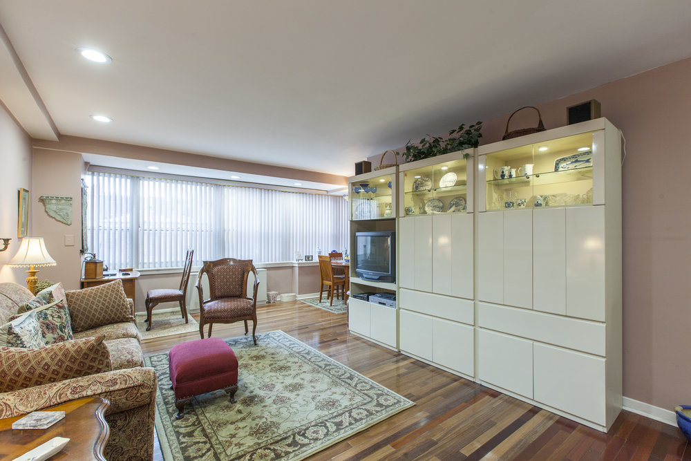 MLS 1806-18 Rittenhouse Sq Unit 31113.jpg