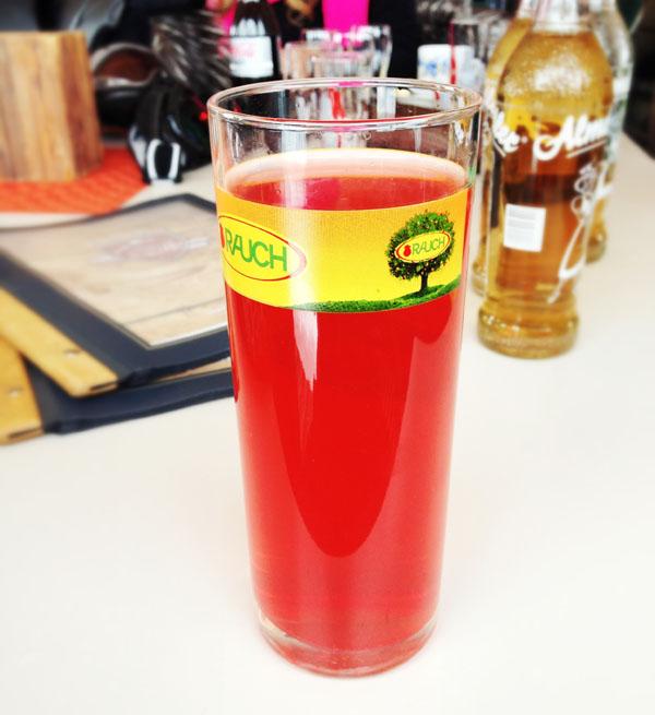 Schiwasser getrunken im BERGHAUS TIROL, KITZBÜHEL