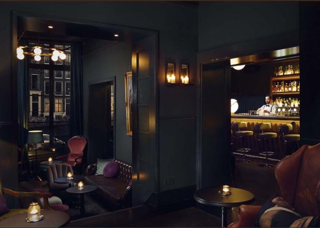 Pulitzer's Bar