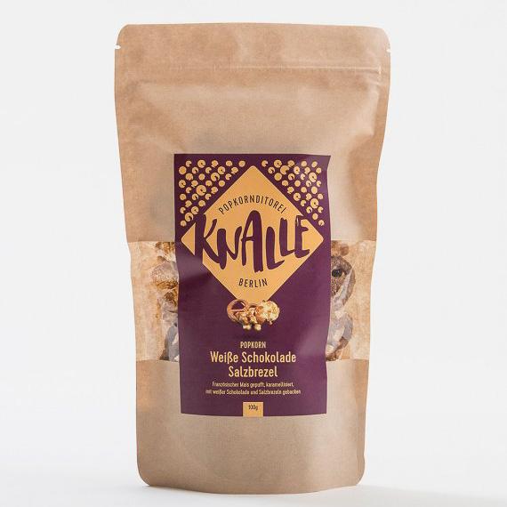 Zu weißer Schokolade und Salzbrezel lässt sich ja wohl nichts mehr hinzufügen?! Das handgemachte Popcorn ist ideal für faule Abende & Nachmittage vor dem Fernseher.
