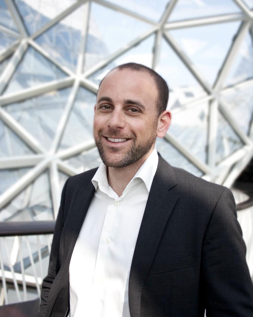 Dr. Christian Alexander Bauer Rechtsanwalt / Lawyer