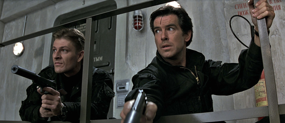Ned Stark AND James Bond keep it stylish in black M-65 Field Jackets. Goldeneye (1995)