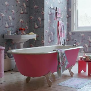 pinkflamingo+bath.jpg