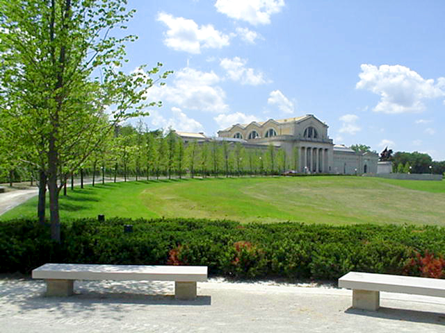 St. Louis Art Museum Art Hill , Forest Park, St. Louis, Missouri (2004)