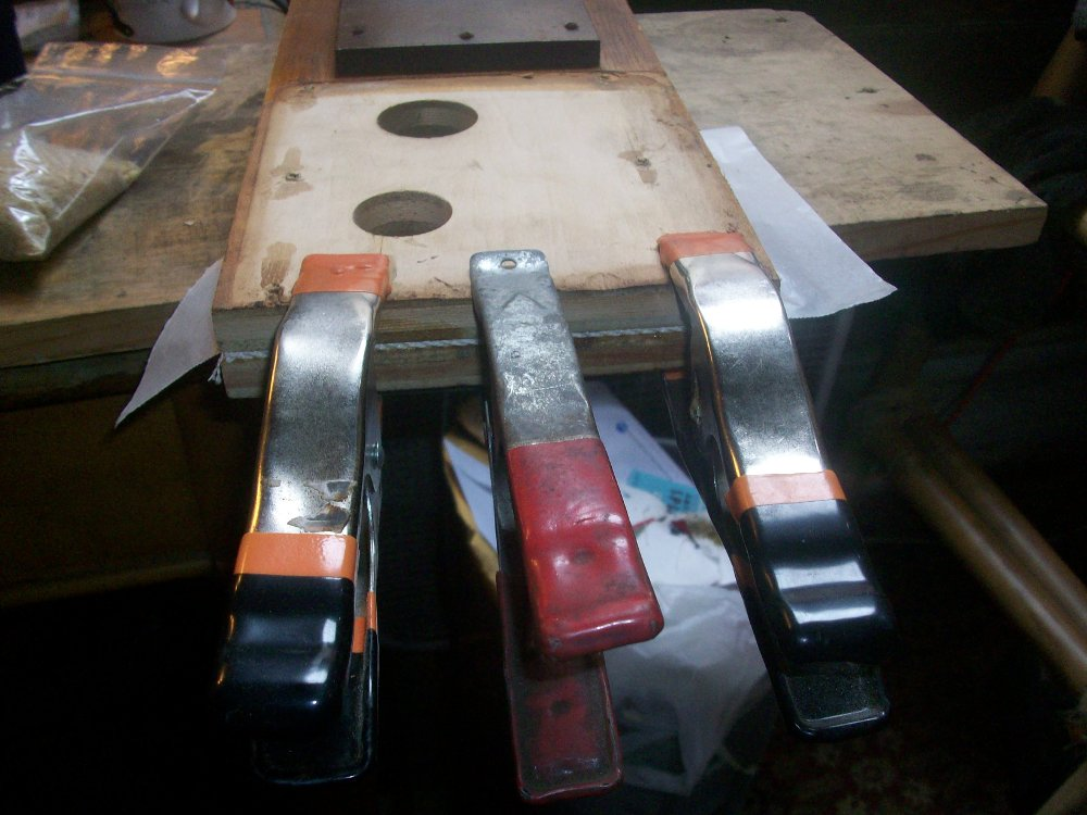Clamping the inside hinge