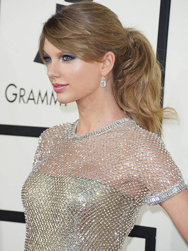 taylor-swift-celebrity-ponytail-hairstyles.jpg