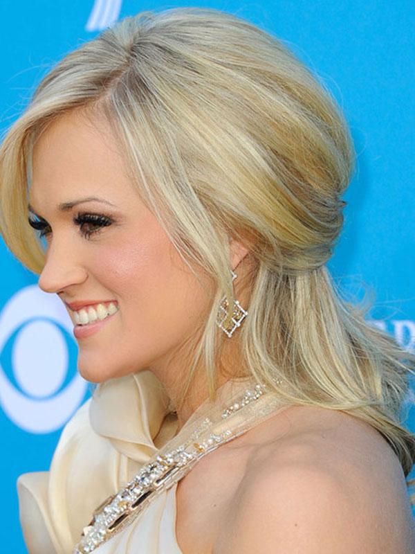 Half-Up-Half-Down-Styles-of-Carrie-Underwood-as-Trendy-Hairstyles.jpg