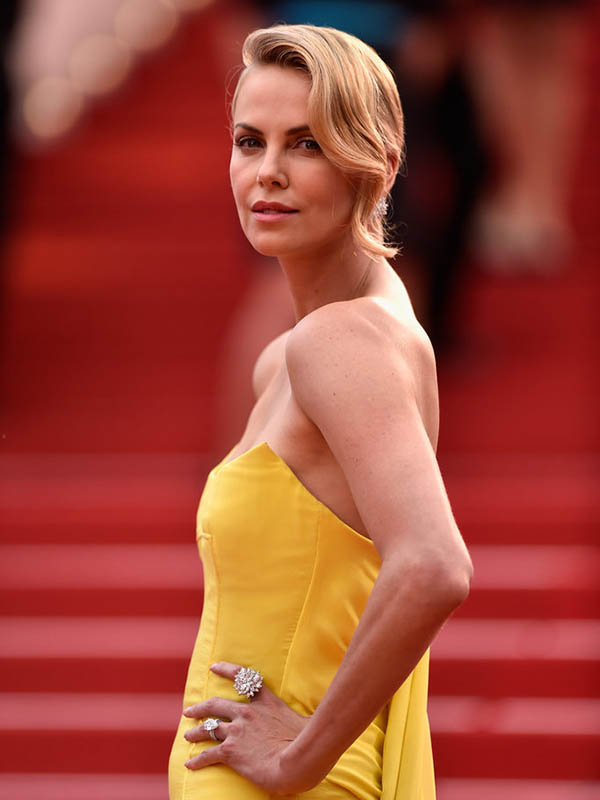 Charlize-Theron-Engagement-Ring-2015-Cannes-Film-Festival.jpg
