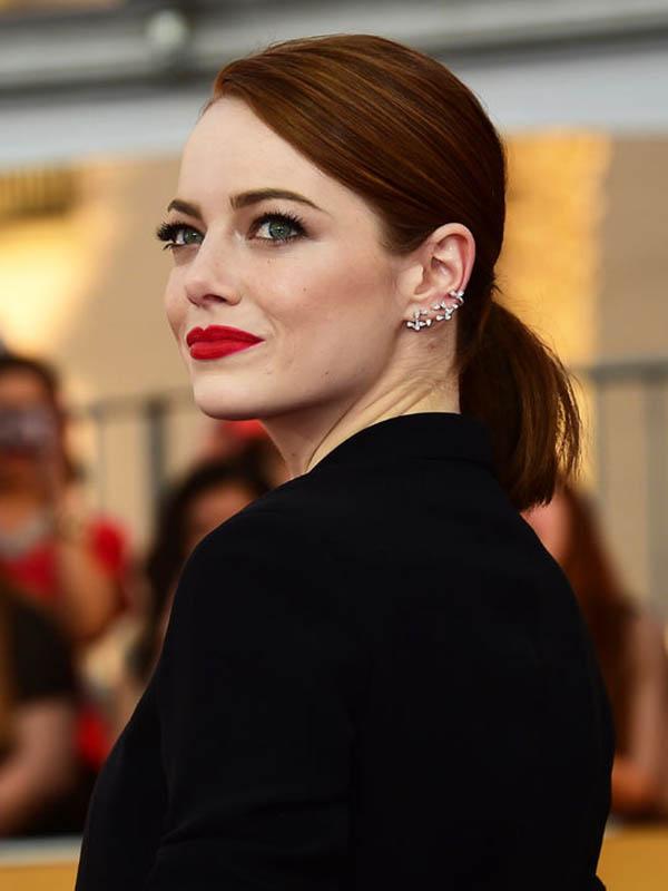 emma-stone-red-lipstick-sag-awards-w540.jpg