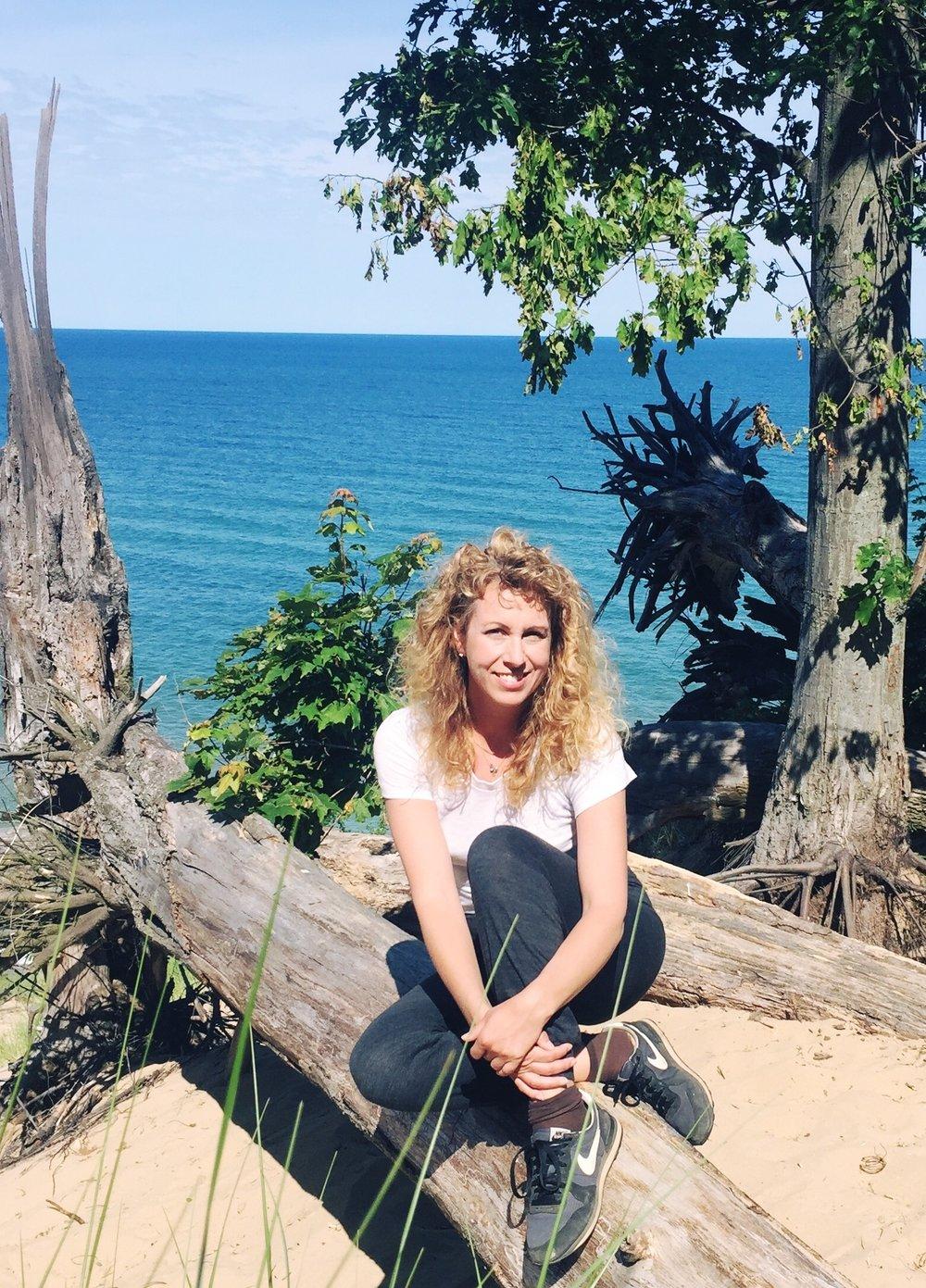 Site_Bio_Rebecca Roman_Picture.jpg