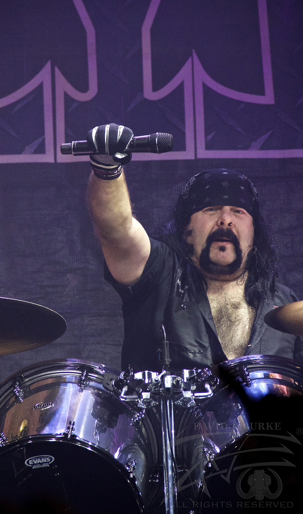 Hellyeah drummer Vinnie Paul    photo: David Burke
