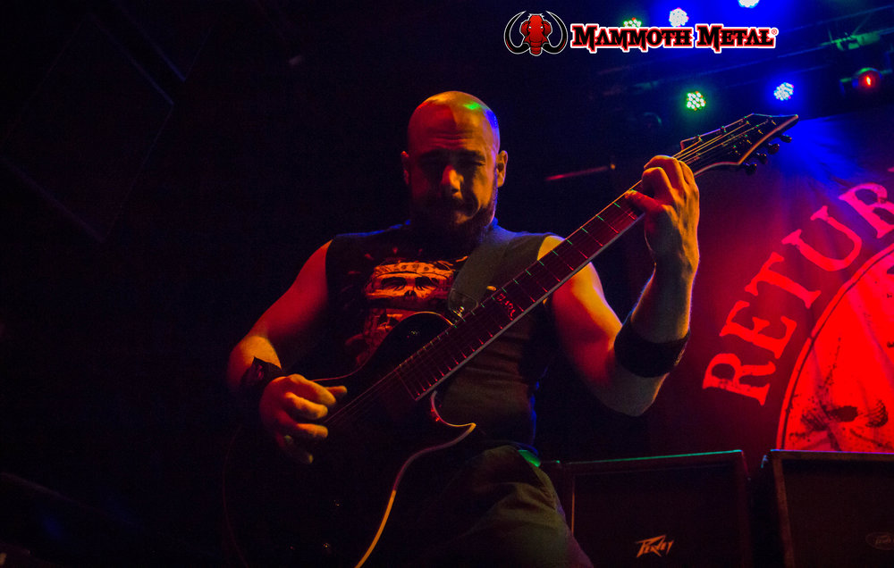 Marc Rizzo rips and shreds.\m/    photo: David Burke