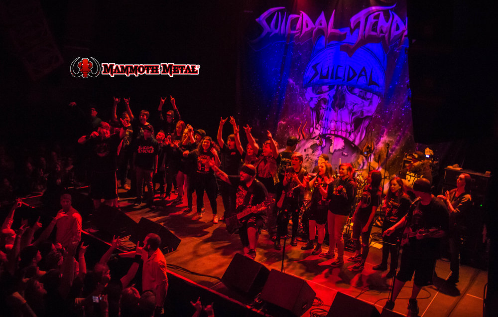 Suicidal Tendencies brought up all the kids to perform on stage. so awesome!    photo: David Burke
