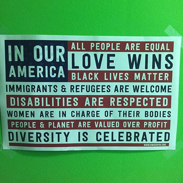 @chopsueybooks ✌🏾️✌🏻✌🏽✌🏼 🌎❤️🌲 If you are ever in Richmond, VA check out this amazing book store. 📚 Feeling so inspired after stopping in.  #tourlife #touring #lovewins #blacklivesmatters #America #Diversity #immigration #disability #americanflag #myamerica #chopsueybooks #bookstagram #books #bookstore #bestbookstore