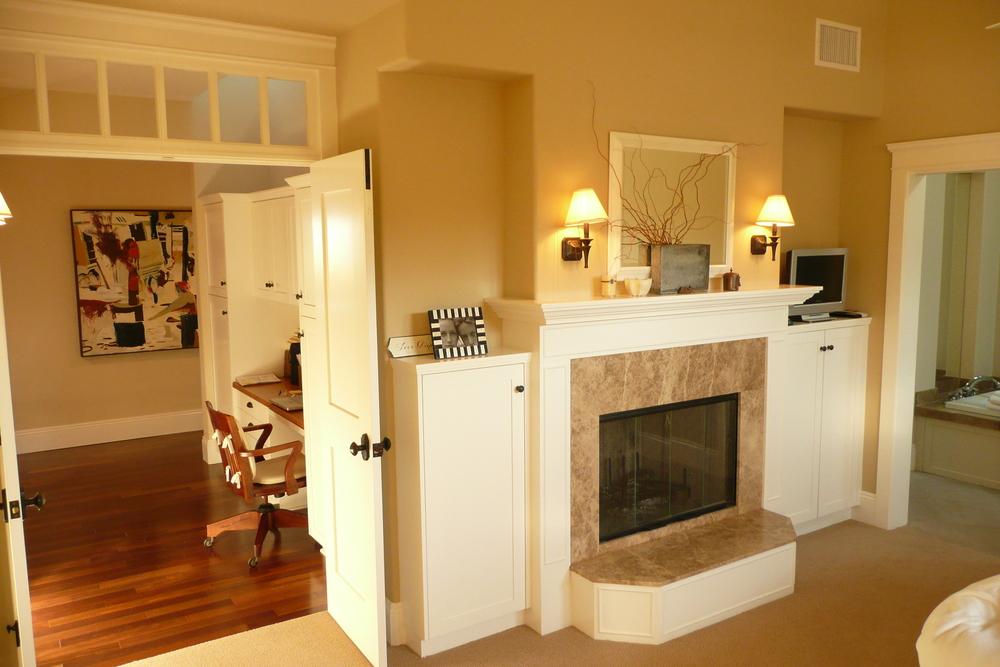 11-351 Master Bdr Fireplace.JPG