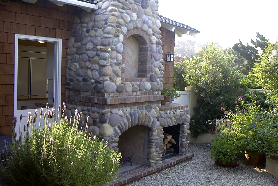 3-212 Outdoor Fireplace.jpg