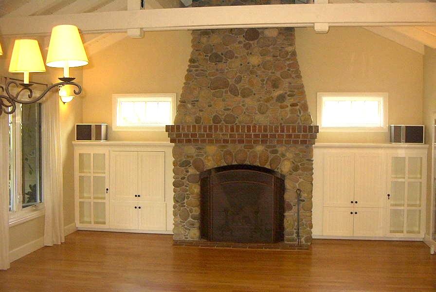 5-212 Living Room.jpg