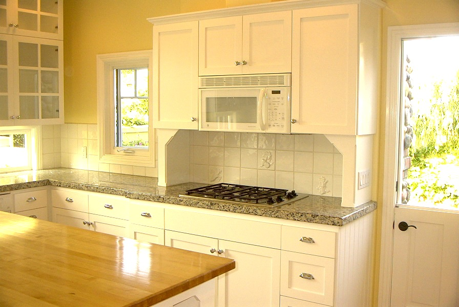 7-212 Kitchen.jpg