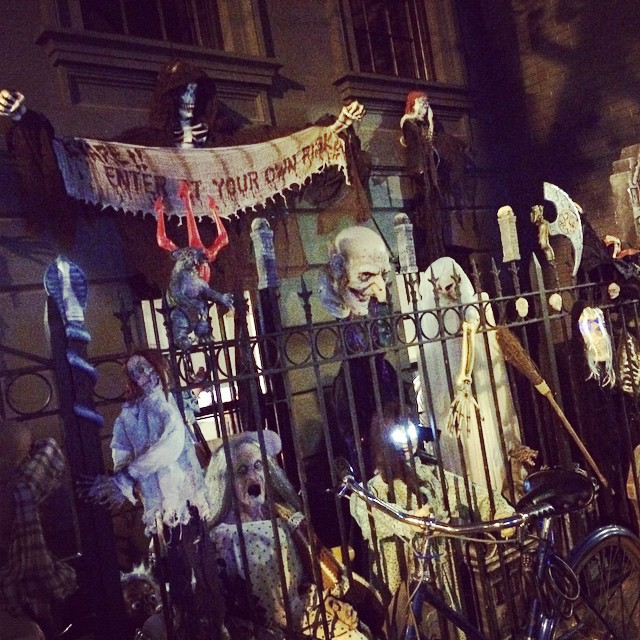 My neighbors are really getting ready for #halloween! #nyc #lifestyle (at Upper East Side, New York)