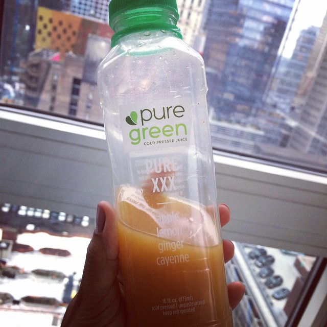 @thepuregreen obsessed with this #juice !! #healthy #lifestyle #nyc  (at Time Square Manhattan New York USA)