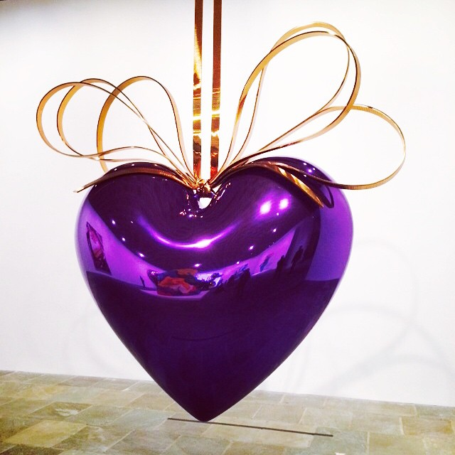 Happy Monday! #sunshine & #love from #NYC ! #JeffKoons #art (at Jeff Koons: A Retrospective, Whitney Museum)