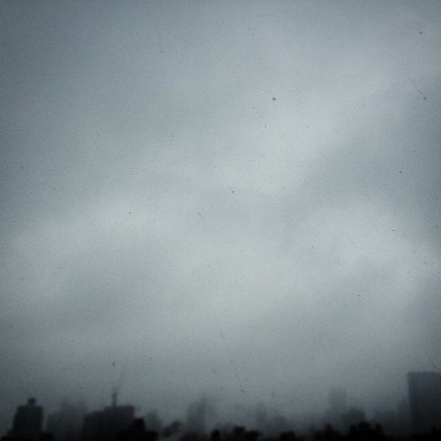 Hazy #winter #sky over #nyc | #photography #newyorkinblackandwhite #nofilter (at New York City)