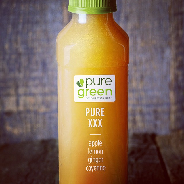 Ate too much stuffing & turkey yesterday? Try a #juice #cleanse form @thepuregreen to get back on a #healthy track! #fitness #lifestyle #nyc (at 42st Times Square)