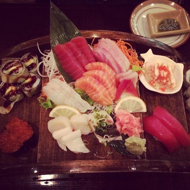 Friday night #sushi #NYC  (at Sushiya Japanese Restaurant)