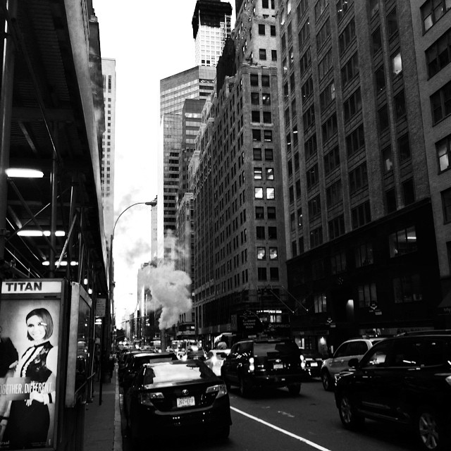 #nyc #midtown #newyorkinblackandwhite (at 5th Avenue, New York)
