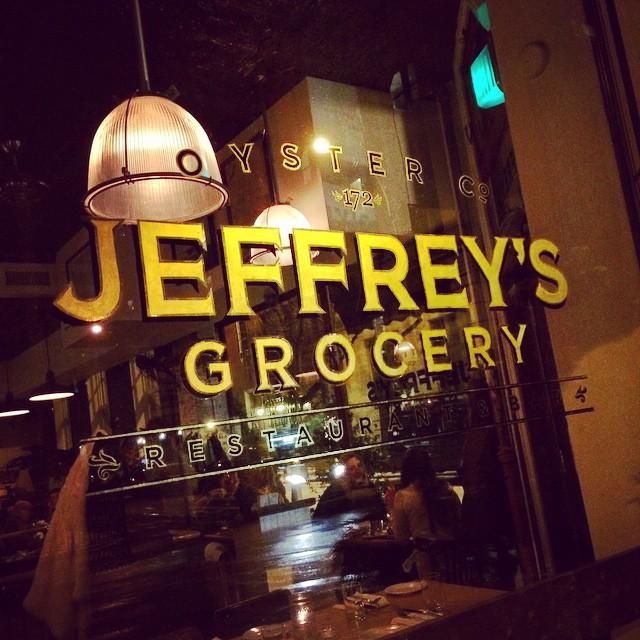 Chill #restaurant in the #WestVillage @jeffreysgrocery (at Jeffrey's Grocery Restaurant And Oyster Bar)