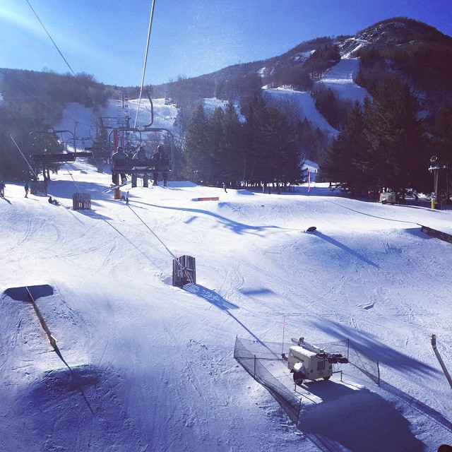 Sunny but cold!! #HunterMountain  #ski #newyork  (at Hunter Mountain)