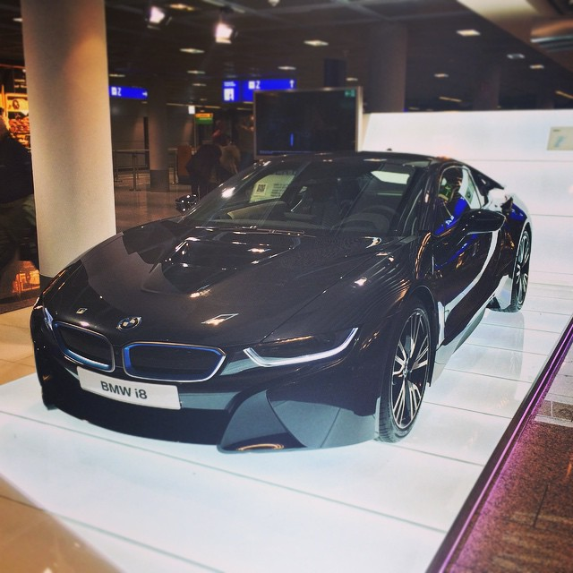 #bmwi8, so nice! I would love this as my next #bmw ❤️#cars  (at Frankfurt Airport)