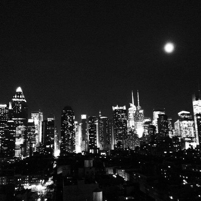 Beautiful night in #nyc! #newyorkinblackandwhite #skyline #newyork #summer (at the Press Lounge)