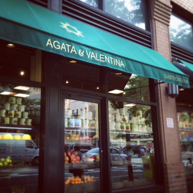 One of my favorite #markets! Excited to cook dinner tonight. #nyc #foodie #shopping (at AGATA & VALENTINA)