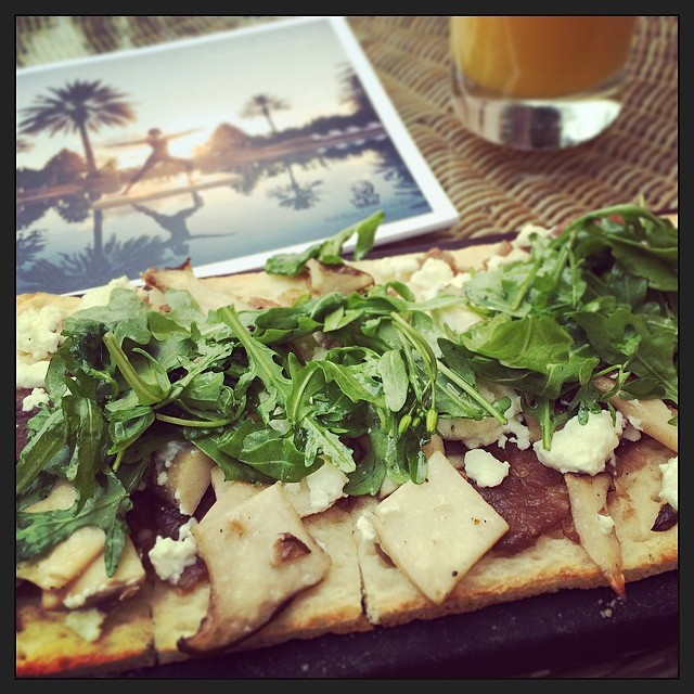 Mushroom flatbread with arugula and goat cheese (at Citron - JW Marriott)