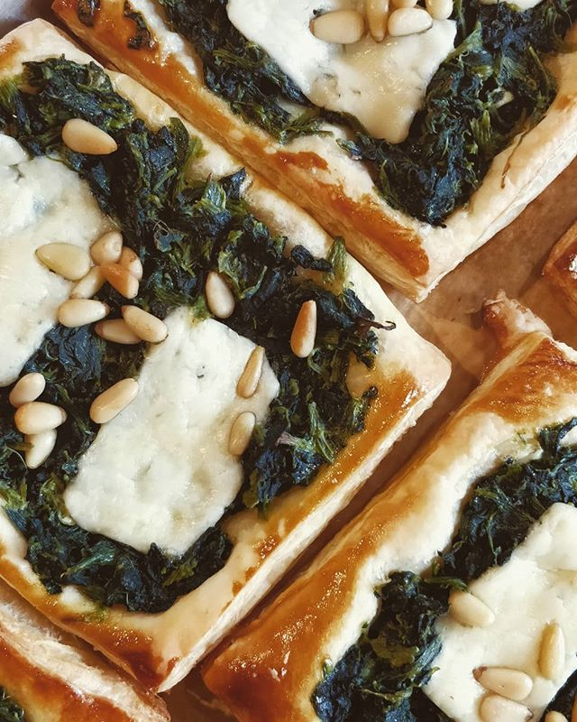 Spinach + Cheddar + Pine Nuts~