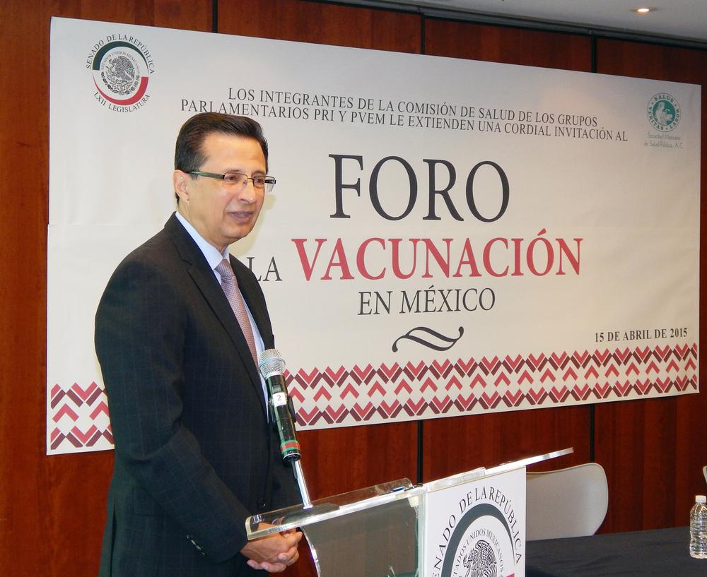 Foro La Vacunación en México. Roberto Tapia-Conyer.