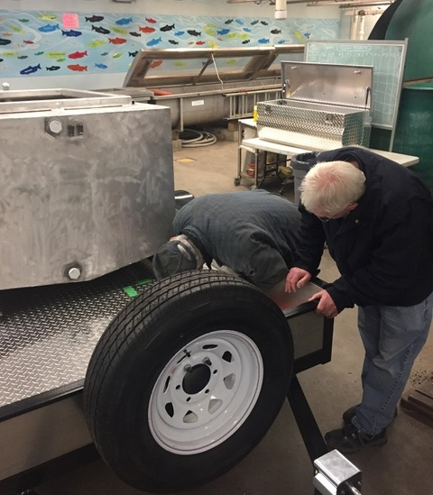 New Trailer - January 3rd 2018New trailer delivered by Mitch and Ed on January 3rd. Gert, Ed, Mitch and others placed the tank onto the trailer on Sat. Jan 6 and the installation and hook up work began.
