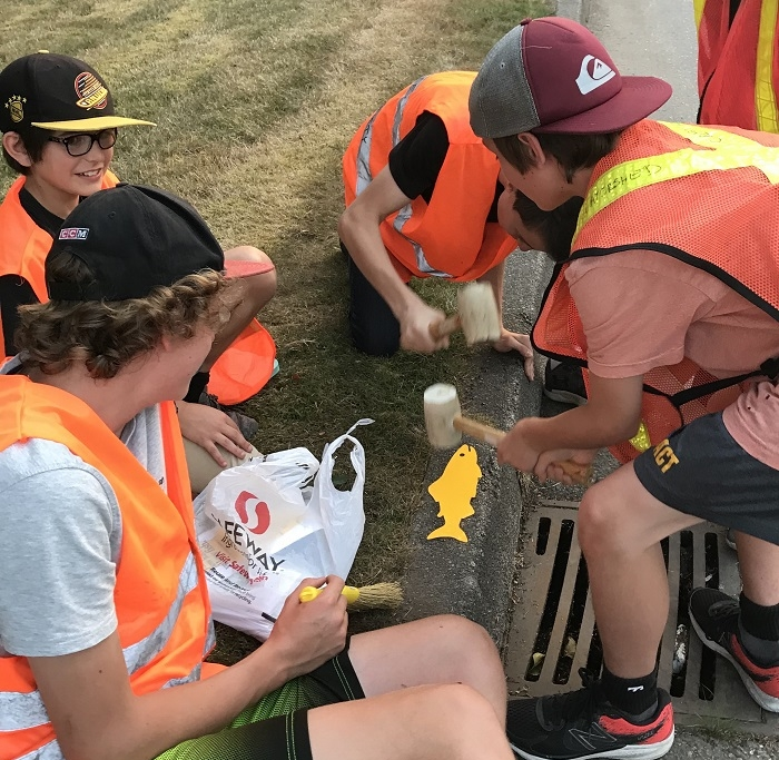 Storm Drain Marking - Aug 21, 2018TriCities Church group worked with members Susan & Terry placing fish reminders on storm drains in Birchland area.